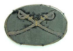 Crossed sabers officer hat badge